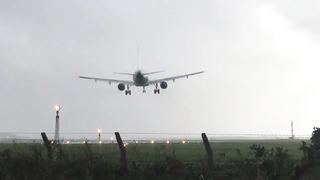 Dramatic Landing of El491 DublinAirport During Ophelia