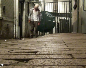 Hilarious but so scary Zombie Prank