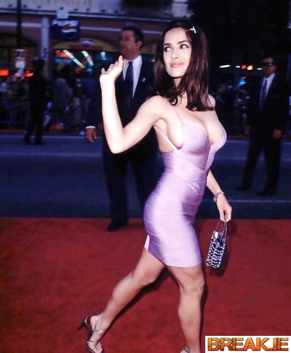 First appearance of Salma Hayek in the 90s on the red carpet