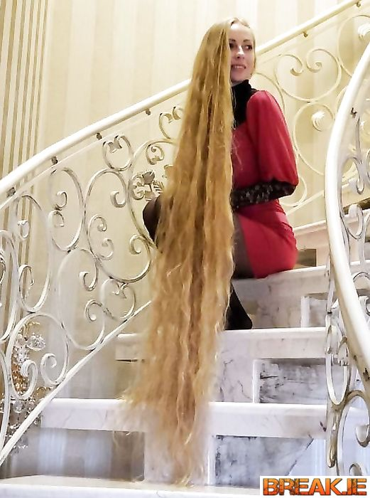 Alena Kravchenko has not cut or dyed her hair since the age of 5