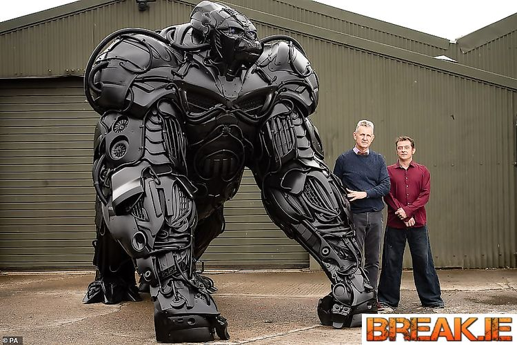 This giant gorilla was made by Welsh sculptor Luke Kite from discarded auto parts.