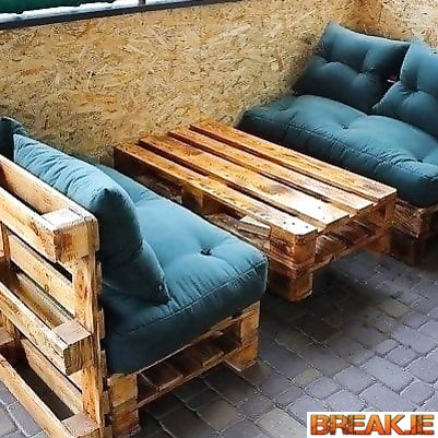 DIY budget furniture from wooden pallets. Interior ideas.