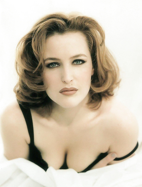The hottest actresses of the 90s