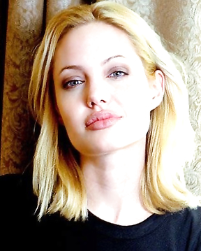 Angelina Jolie Blonde