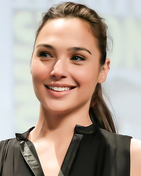 How beautiful is this woman!! Gal Gadot.