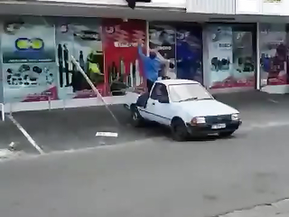 Lol easy way to get that sofa down.