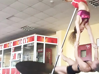 two girls Pole fail video