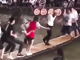 hes not different he's just dancing with flow