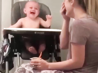 I just love the lil ones laugh.. Oh my god... made me smile. This is just the sweetest little laugh.