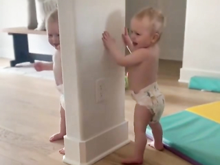 Awwww... That's to cute and so adorable. Very cute babies.